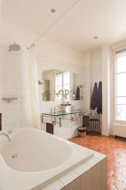 Beautiful and bright bathroom its floor tilesfloor
