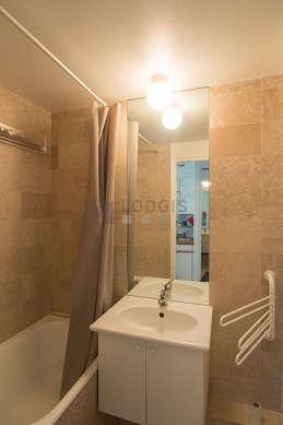 Bathroom with tilefloor
