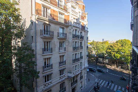 Beau séjour très calme et très lumineux d'un appartementà Paris