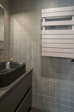 Beautiful and bright bathroom