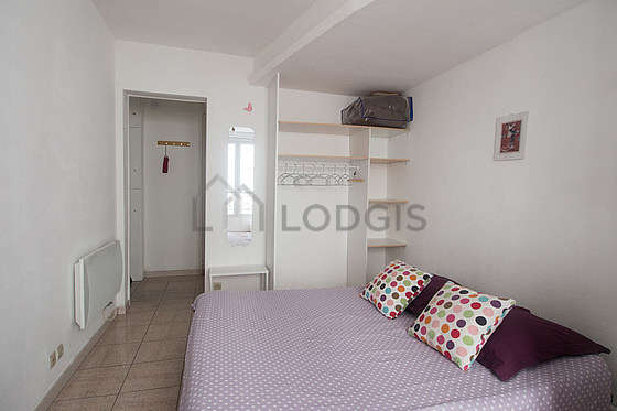 Quiet living room furnished with 1 sofabed(s) of 160cm, dining table, coffee table, wardrobe