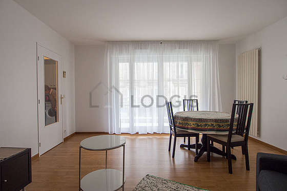 Living room furnished with 1 sofabed(s) of 140cm, tv, 4 chair(s)