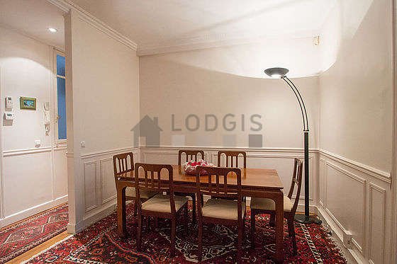 Great dining room with woodenfloor for 6 person(s)