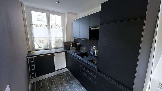 Great kitchen of 7m² with woodenfloor