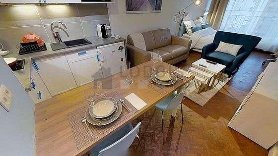 Belle cuisine de 3m²ouverte sur le séjour avec du carrelageau sol