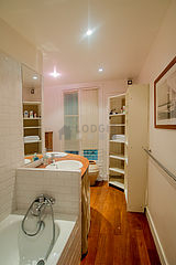Duplex Paris 15° - Bathroom