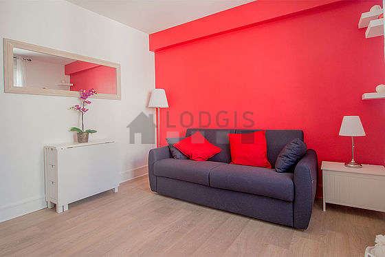 Very quiet living room furnished with 1 sofabed(s) of 140cm, tv, storage space