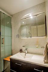 Apartment Paris 5° - Bathroom