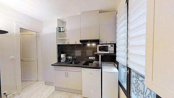 Beautiful kitchen of 2m² with linoleumfloor