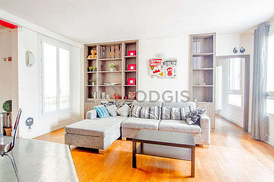Very quiet living room furnished with 1 sofabed(s) of 140cm, tv, storage space, 6 chair(s)