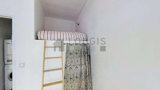 Chambre calme pour 2 personnes équipée de 1 lit(s) mezzanine de 140cm