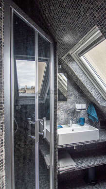 Pleasant and bright bathroom with double-glazed windows