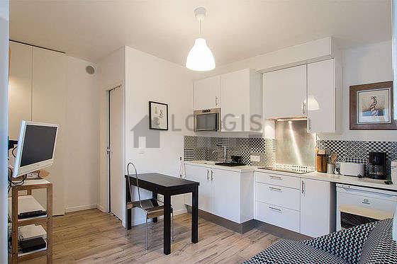 Living room of 12m² with tilefloor