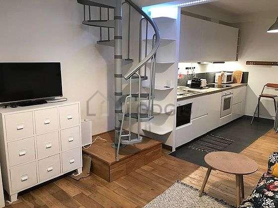 Beautiful kitchen of 10m² with tilefloor