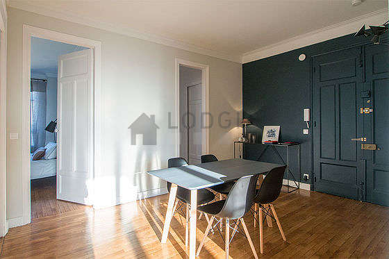 Great dining room with woodenfloor for 4 person(s)