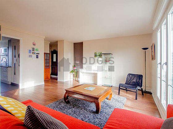 Magnifique séjour très calme et très lumineux d'un appartementà Paris