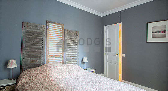 Bedroom equipped with wardrobe, 1 chair(s)