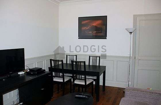 Very quiet living room furnished with 1 sofabed(s) of 0cm, tv, 1 chair(s)