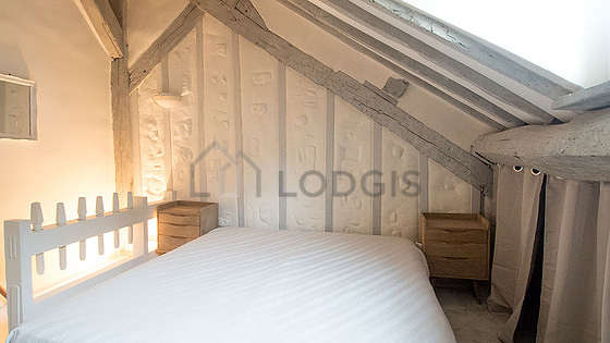 Very quiet bedroom for 2 persons equipped with 1 bed(s) of 180cm