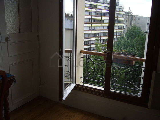 Chambre calme pour 3 personnes équipée de 1 lit(s) d'appoint de 80cm, 1 lit(s) armoire de 120cm