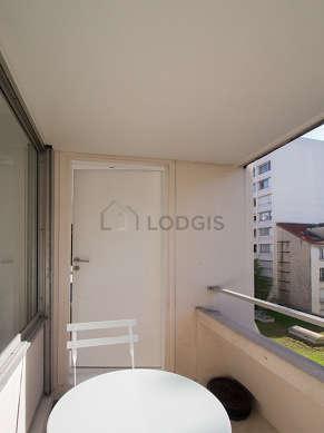 Balcony with woodenfloor