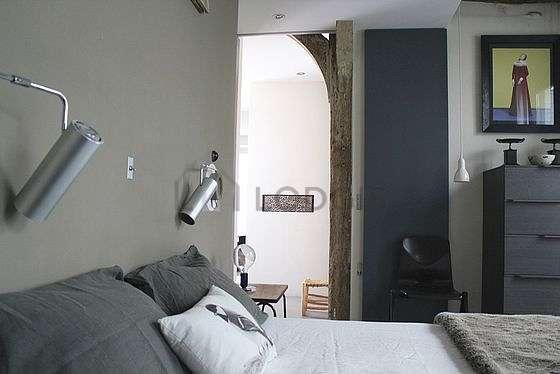 Grande chambre de 20m² avec du parquetau sol