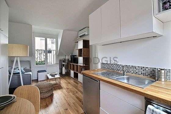 Magnifique cuisine de 8m² avec du parquetau sol