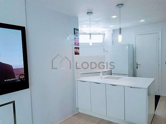 Great kitchen of 8m² with woodenfloor