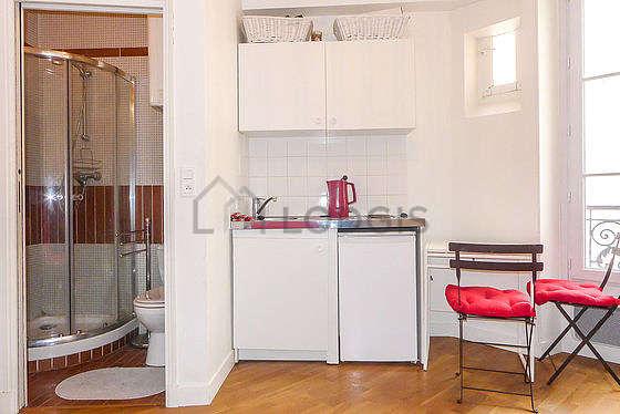 Séjour équipé de 1 canapé(s) lit(s) de 140cm, télé, 1 chaise(s)