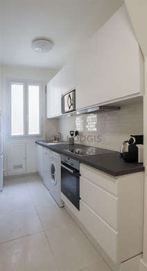 Great kitchenopens on the entrance with tile floor