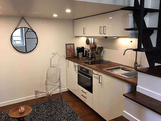 Magnifique cuisine de 2m² avec du parquetau sol