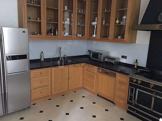 Beautiful kitchen of 12m² with tilefloor