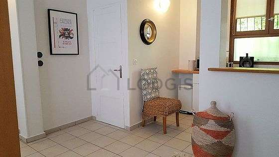 Living room of 18m² with tilefloor