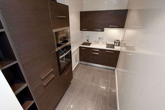 Great kitchen with tilefloor