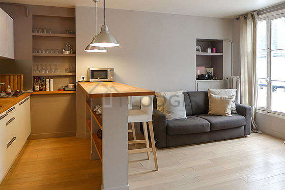 Living room with woodenfloor