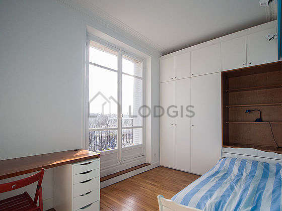 Very quiet bedroom for 1 persons equipped with 1 bed(s) of 80cm