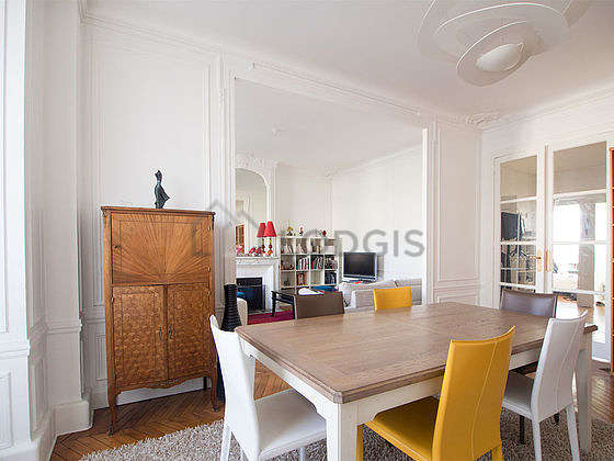 Beautiful dining room with woodenfloor for 6 person(s)