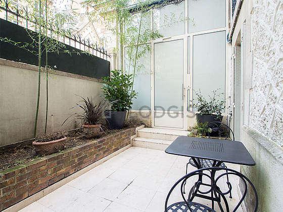 Very quiet and very bright balcony with concretefloor