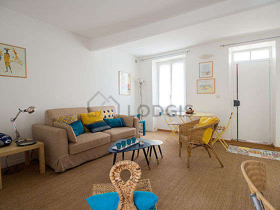 Living room with cocofloor
