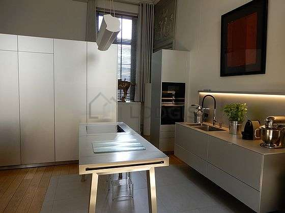 Great kitchen of 30m² with woodenfloor