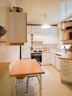 Kitchen of 9m² with tilefloor
