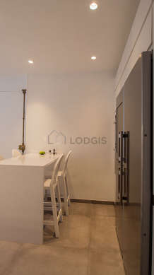 Great kitchen with concretefloor