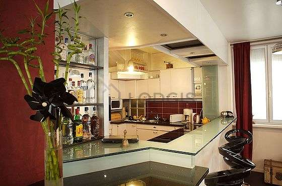 Great kitchen of 6m² with woodenfloor