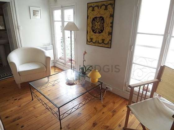 Séjour très calme équipé de 1 canapé(s) lit(s) de 90cm, canapé, 2 fauteuil(s)