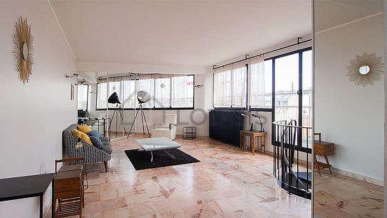 Beau séjour très calme et très lumineux d'un duplexà Paris