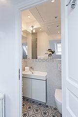 Dúplex Paris 16° - Casa de banho 3