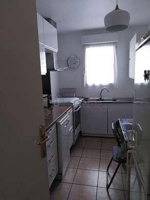 Great kitchen with tilefloor