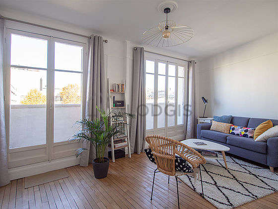 Quiet living room furnished with 1 sofabed(s) of 140cm, tv, 1 armchair(s), 1 chair(s)