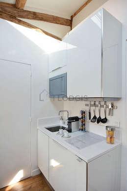 Great kitchen with floor tilesfloor