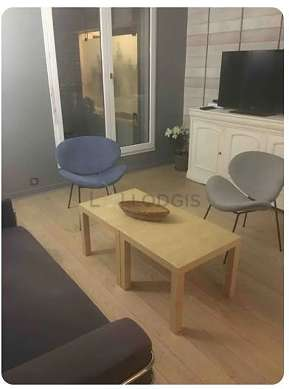 Very quiet living room furnished with 1 bed(s) of 140cm, 1 sofabed(s) of 140cm, tv, 1 armchair(s)